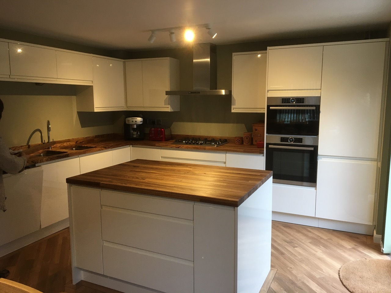 Kitchens West Midlands - Bespoke Fitted Kitchen Design